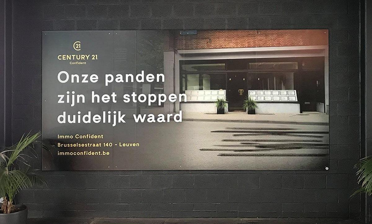 m33 portfolio - Century 21 Confident - bord print